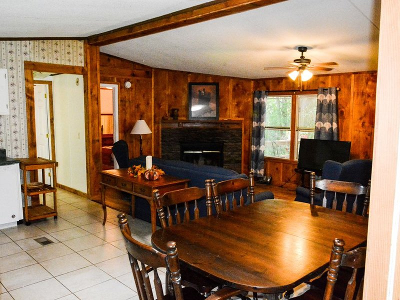 Convenient to Area Attractions, holiday rental in Clayton