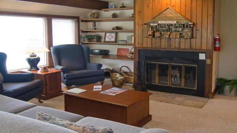 The Cedar Townhouse in the center of the Galena Territory, holiday rental in Shullsburg