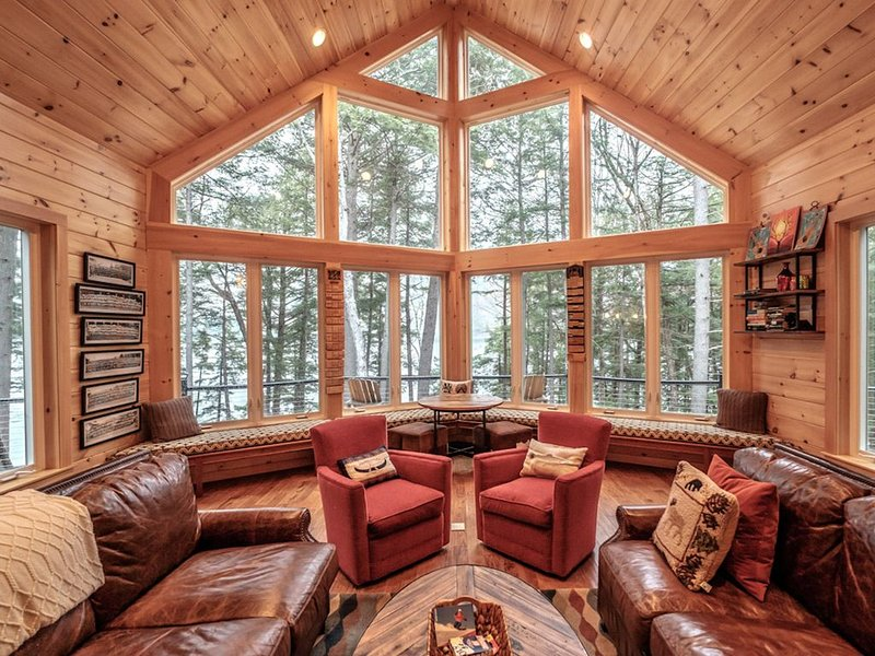 Breathtaking Lake Home in the Woods, holiday rental in Lovell