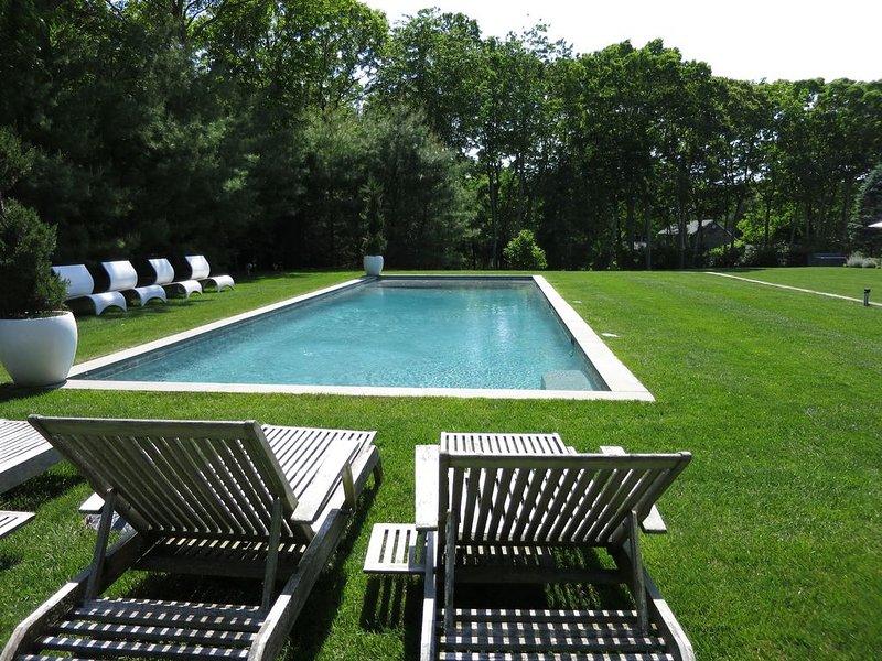 Sag Harbor Village Home 4 bed 3 bath Sleeps 8 Salt Water Pool, 2 acres 3K sq ft., vacation rental in Sag Harbor