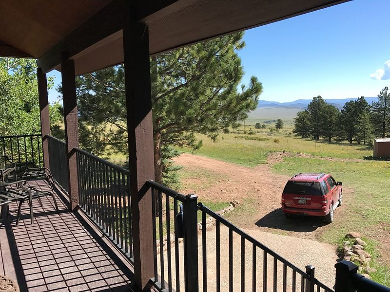 Tranquil  Retreat w/ private National  Forrest access, pond & creek, vacation rental in Hillside