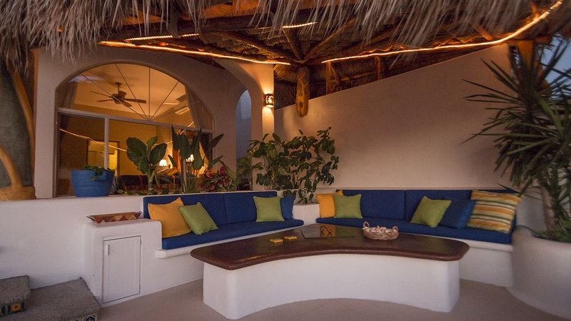 Spectacular Ocean Front House, Views and Sunsets!, casa vacanza a San Carlos