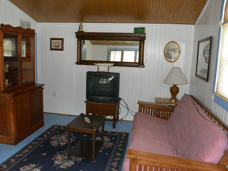 Spacious Cottage Overlooking Lake Huron #2, casa vacanza a Carsonville