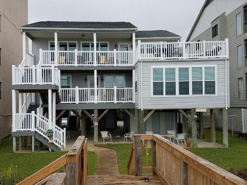 Beachfront rental property in beautiful Garden City Beach, SC., location de vacances à Murrells Inlet