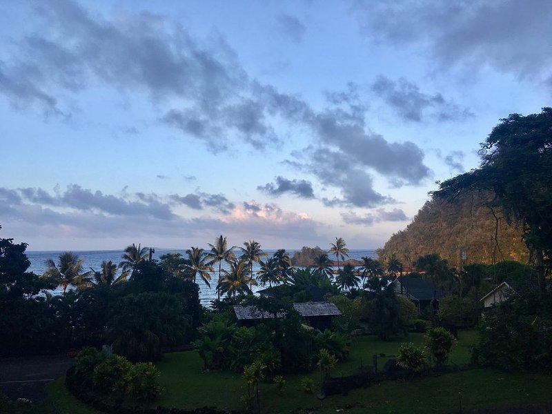 Hana Homestead, Eco Friendly Retreat, By the Beach, Centrally Located, Ferienwohnung in Kipahulu