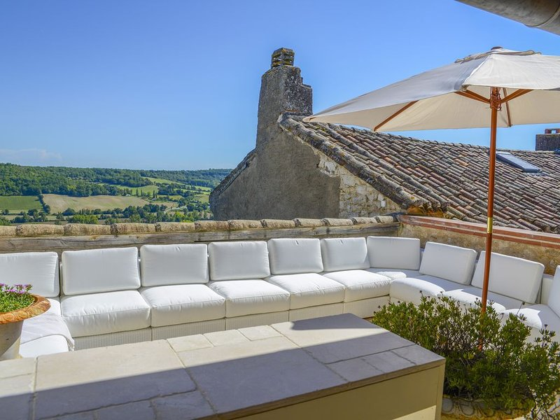 Gorgeous Medieval Townhouse, vacation rental in Lauzerte