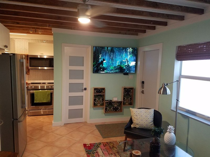 Bamboo Cottage: Tropical Vibe Beach-style Cottage, vacation rental in Plantation