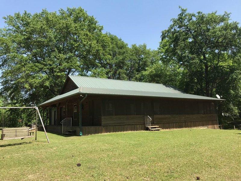 **Lakehouse Cabin on Lake Quitman**, location de vacances à Winnsboro