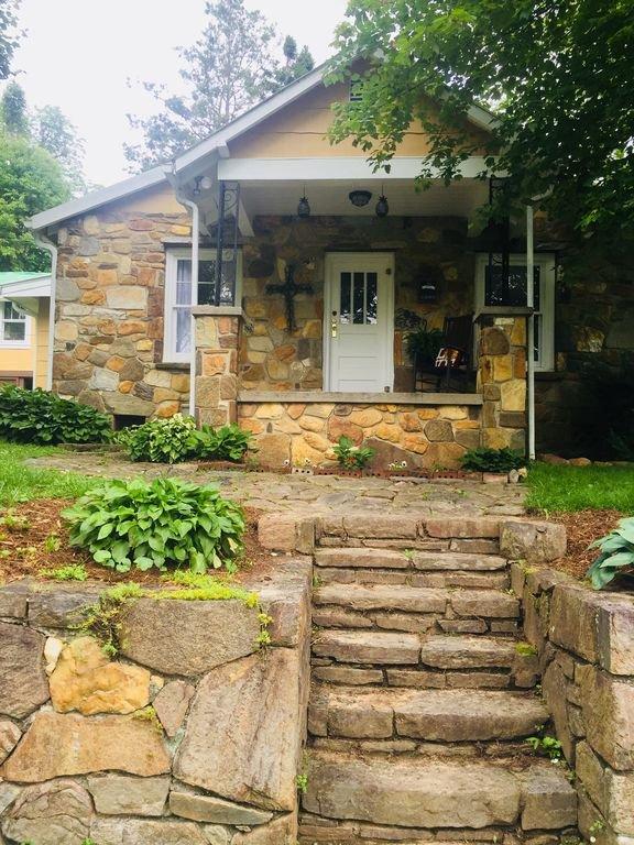 OllieBlake Rock Cottage