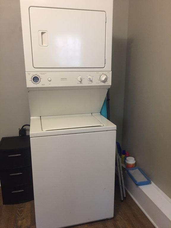Stack tvättmaskin och torktumlare