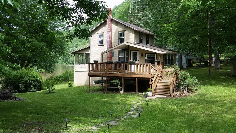 River-Front Cottage On The Juniata River, holiday rental in Saxton