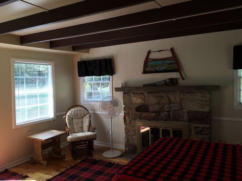 Cute Efficiency Cottage Near Pine Creek, location de vacances à Wellsboro