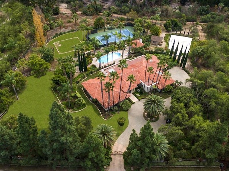Serene Resort Setting 7Mi To Track, Pool, Hot Tub, Tennis, Sand Vba, location de vacances à Rancho Bernardo