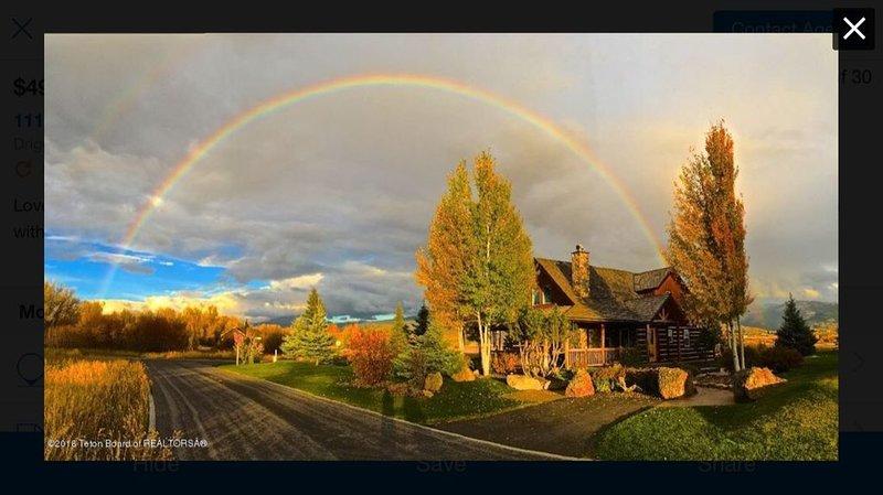 Serene Teton Creek Cedar Chinked Home-Paved Bike Path/Walk to Town Center, holiday rental in Driggs
