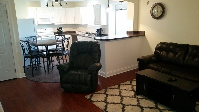 Suburban area condo. Ideal for the avid fisherman or fishing family., vacation rental in Chalmette