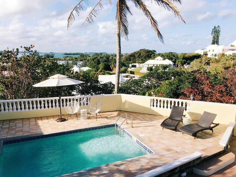 Villa at Cedar Brae - Ocean Views & Private Pool, alquiler de vacaciones en Southampton