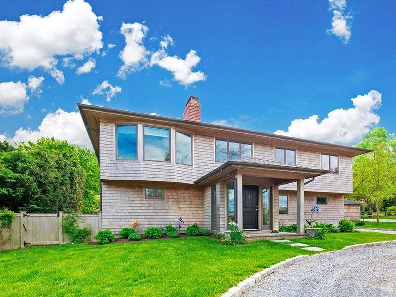 Sag Harbor Ultimate Beach House , 5 min walk to Long Beach, vacation rental in Sag Harbor