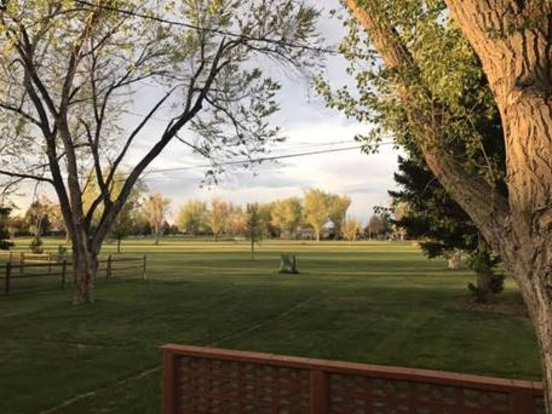 Tri-Level Home on Paradise Valley Golf Course, holiday rental in Bar Nunn