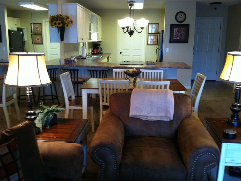 Come stay with us in Branson's Most Popular Neighborhood and Home to the Stars!, holiday rental in Branson