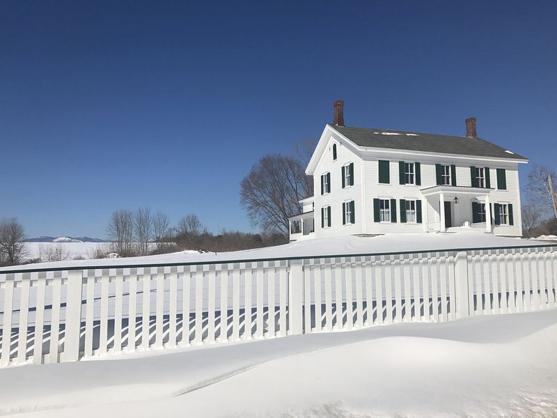 Large 1790's Historic Country House 'CRYSTAL SPRING FARM'  Downtown Essex, NY, aluguéis de temporada em Essex