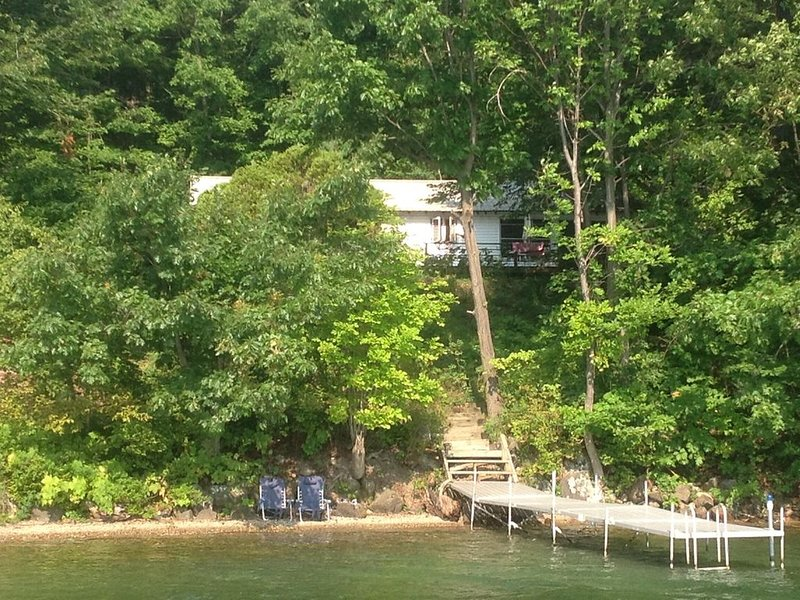 Silver Bay on Lake George with private dock  and lakefront., holiday rental in Ticonderoga