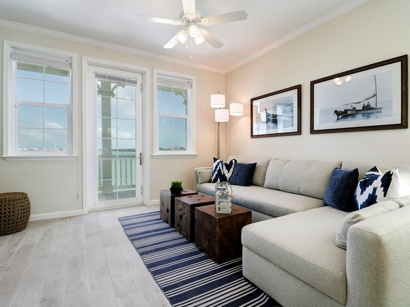 2 Bedroom 2.5 Bath Luxury Townhome in the Keys, holiday rental in Ramrod Key