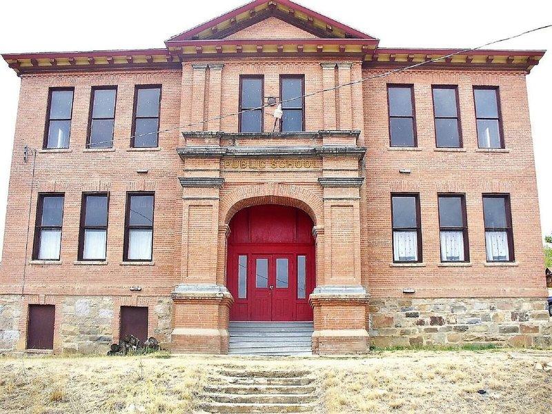 Old Pony School