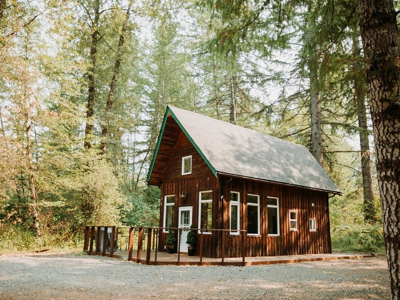 Hera's Chalet with Hot Tub & Sauna, holiday rental in Elbe