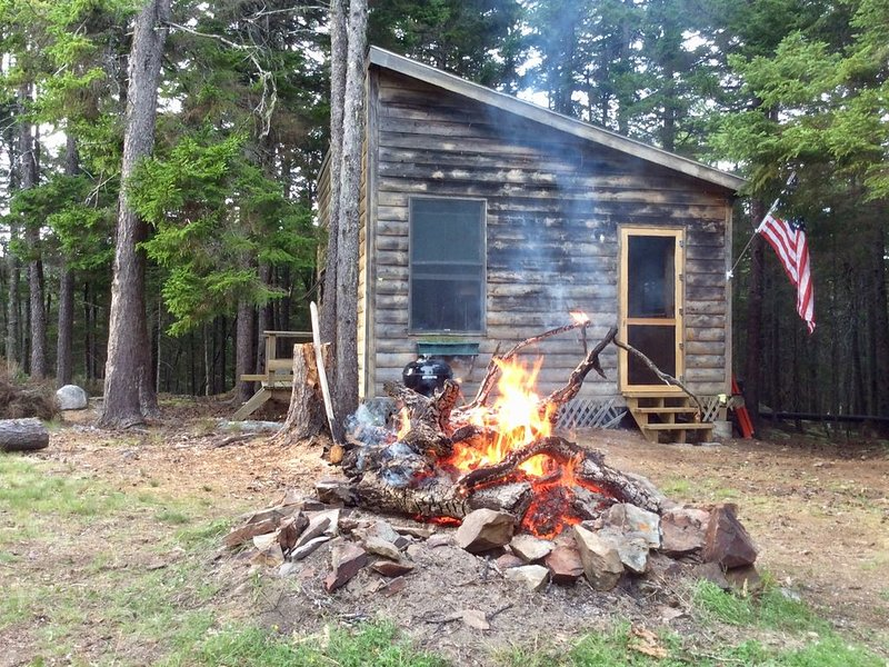 Secluded And Rustic Island Cabin On The Bold And Rocky Penobscot Bay Coast..., vacation rental in Brooksville