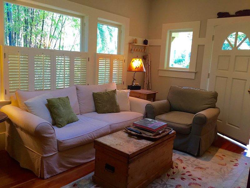 Cozy Fairfax Craftsman-era Bungalow, holiday rental in Fairfax