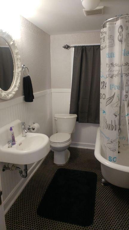 Bathroom with clawfoot tub
