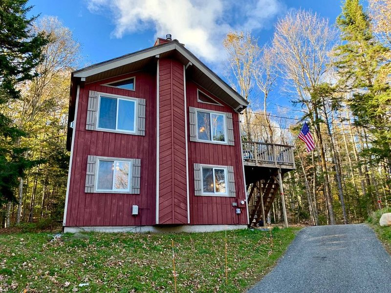 4 BR, 2BA: Comfy, Clean & Family Friendly - 15 mins to Mount Snow!, holiday rental in Wilmington