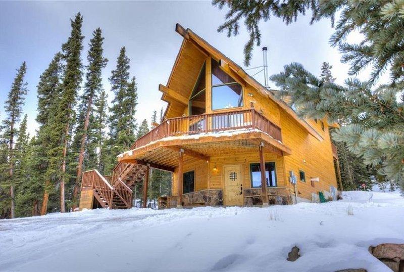 Beautiful Mountain Cabin w/ Privacy and Mountain Views!, alquiler de vacaciones en Alma