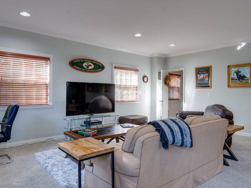 10min from Keeneland. Perfect the Bourbon Trail and Kentucky Horse Park., vacation rental in Lawrenceburg