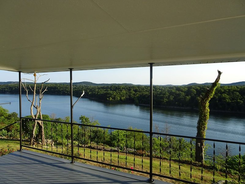 Amazing view! Includes Boat Slip at Marina, vacation rental in Eagle Rock