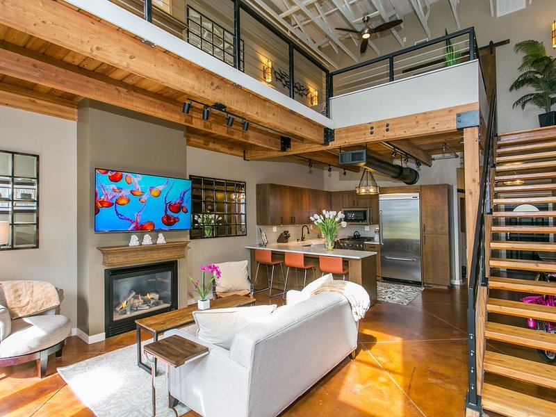 Orenco Station Executive Loft, alquiler de vacaciones en Banks