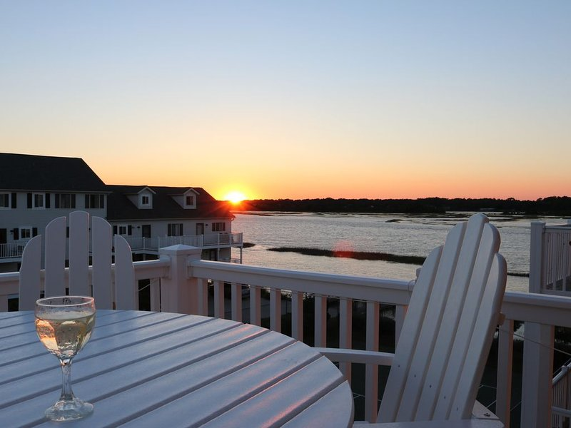 Monkey Sea, Monkey Dune ~ Top floor, End unit; Sound and Ocean view, vacation rental in Ocean Isle Beach