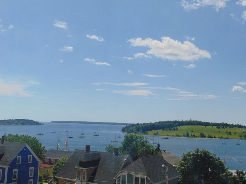 Seaside Harbour View Apartment, vacation rental in LaHave