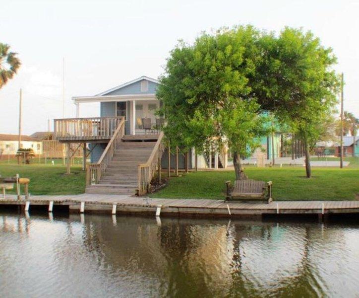 REEL Paradise - Pet Friendly with new fishing pier!, location de vacances à Sargent