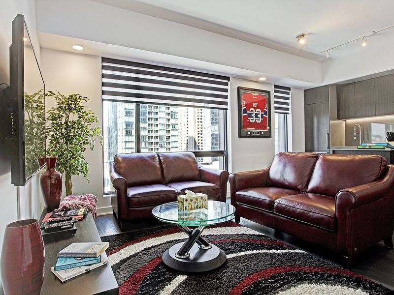 Living Room Area with 4k UltraHD Smart TV and BlueRay DVD Player