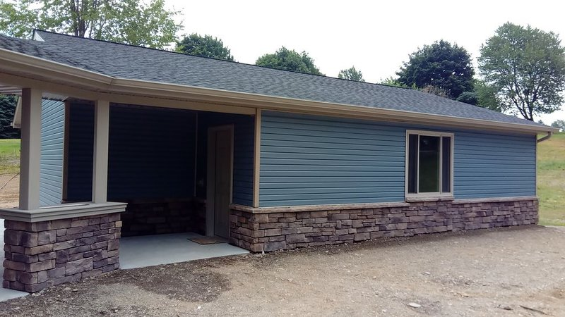 NEW built 2018 Beach cottage near Lake Erie. Sleeps 6., alquiler de vacaciones en Erie