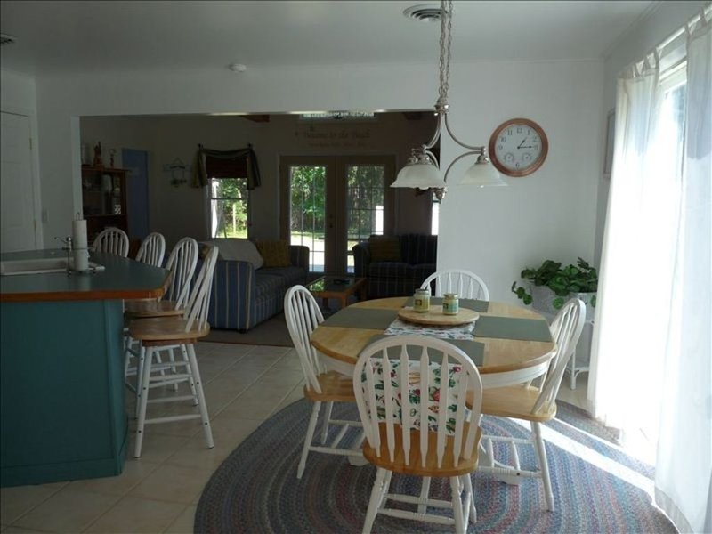 Beautiful House 3 Miles To Bethany Beach.  SALE $100 off  2 weeks left in Aug, vacation rental in Millville