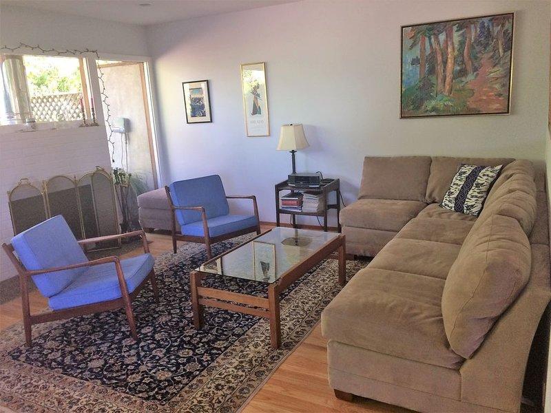 Quiet 2100 sq ft home, 4 blocks to Cal campus, 5 to gourmet ghetto, great views, alquiler de vacaciones en Albany