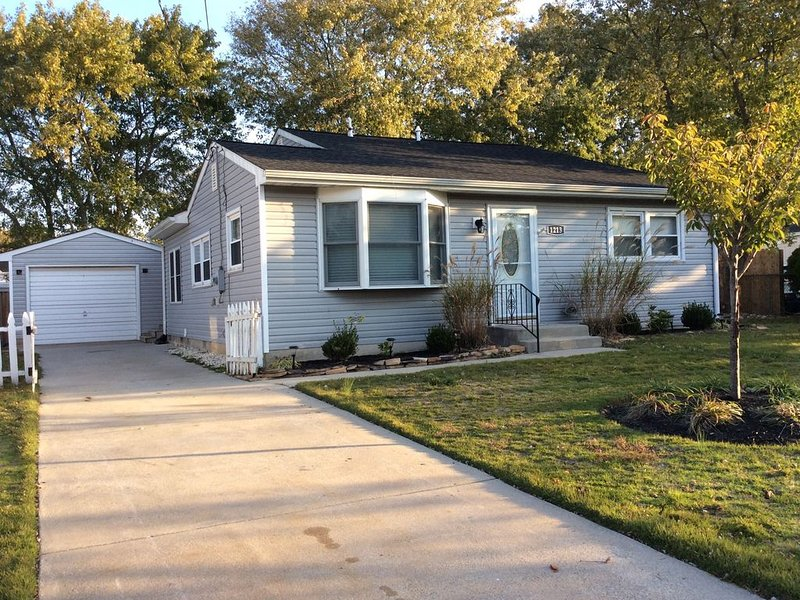 Lovely single family home just blocks from the beach, holiday rental in Lower Township