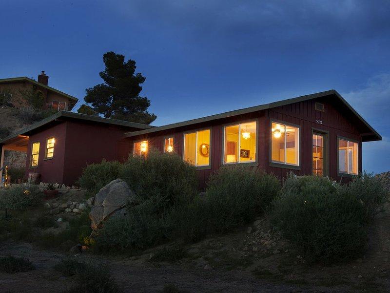Une cabane du désert endormie dans Water Canyon