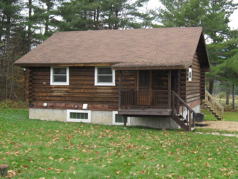 Cozy Log Cabin In The Mad River Valley, VT - Near Mad River Glen And Sugarbush, vacation rental in Moretown