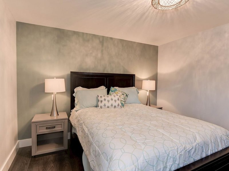 Chic Furnished Apartment in Hillcrest Heights, holiday rental in Temple Hills