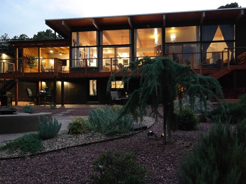 CASUAL ELEGANT HOME+SEPARATE CASITA./FANTASTIC FLOORPLAN!  AWESOME WEST SEDONA !, vacation rental in Sedona