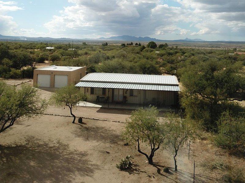 Very Peaceful, Unique Home On 20 Acres., alquiler vacacional en Amado