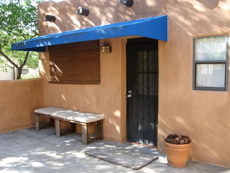 Charming Casita In Historic University Neighborhood, holiday rental in Albuquerque